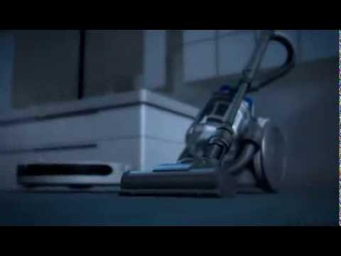 Робот-пылесос и обычный пылесос Dyson vs Roomba