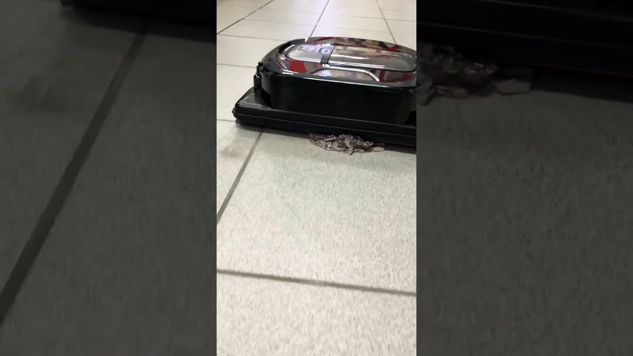 Демонстрация мощности всасывания. Робот-пылесос Samsung VR10M7030 VR20M7070 VR20R7260.